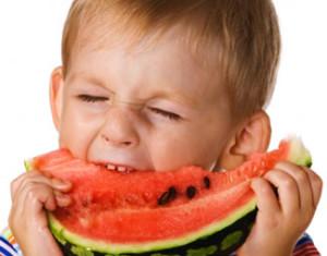 alimentacion-de-los-niños-300x235